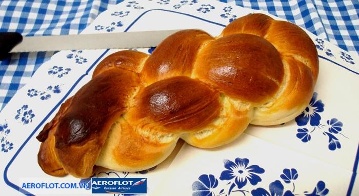 Món bánh mì tết Zopf