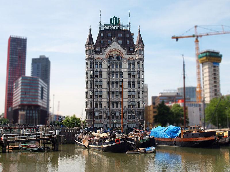 Amsterdam có hệ thống kênh rạch chằng chịt