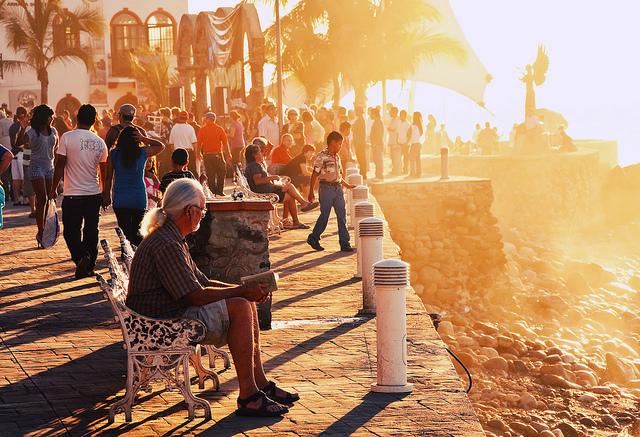 Con đường Malecón căng đầy sức sống