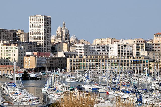 Vé máy vay đi Marseille giá rẻ