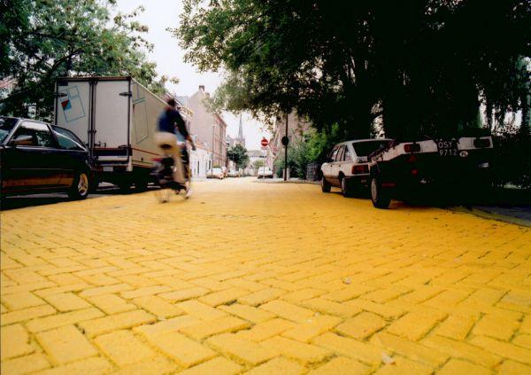 Độc đáo con đường vàng rực rỡ ở Hà Lan