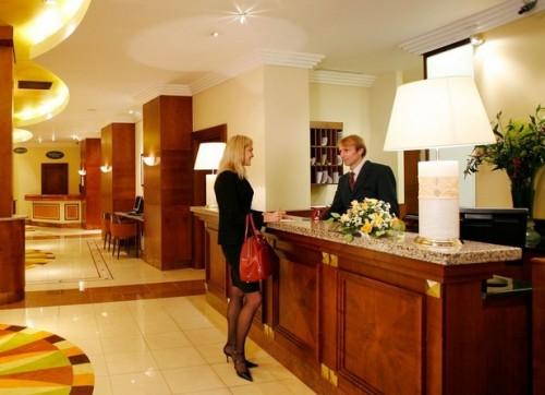 Cách tránh mất trộm tại khách sạn khi du lịch