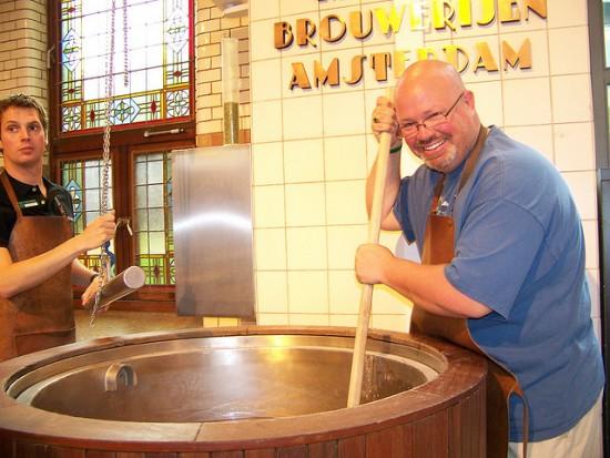 Heniken - thương hiệu bia hàng đầu của Hà Lan