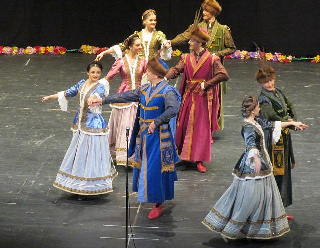 Thưởng thức những điệu nhảy truyền thống Ba Lan