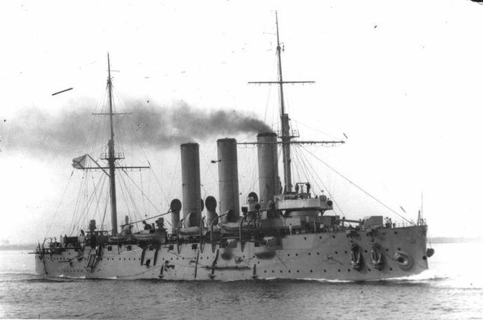Chiến hạm Rạng Đông trong lịch sử
