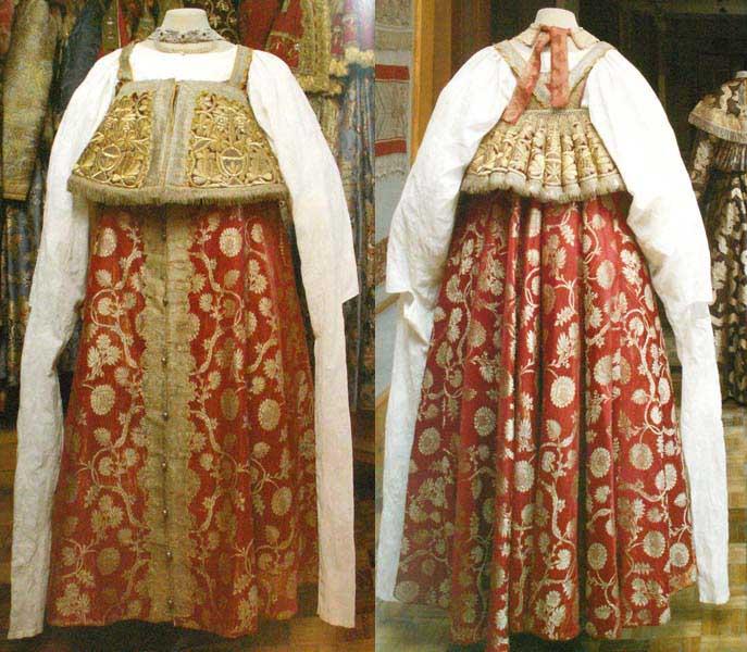 Cặp váy Sarafan truyền thống