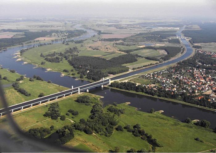 Cầu nước Magdeburg2