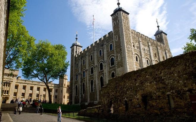tháp london2