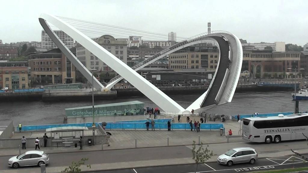 cầu nghiêng Gateshead Millennium2