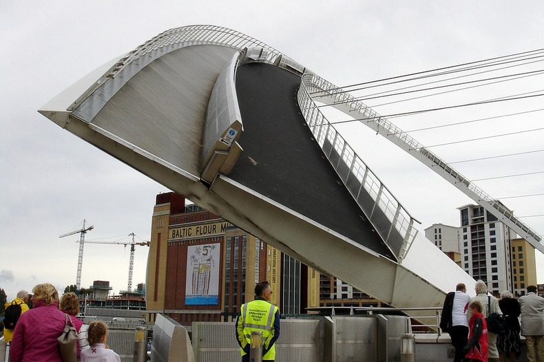 cầu nghiêng Gateshead Millennium3