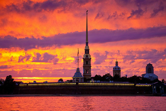 ngắm bình minh St Petersburg