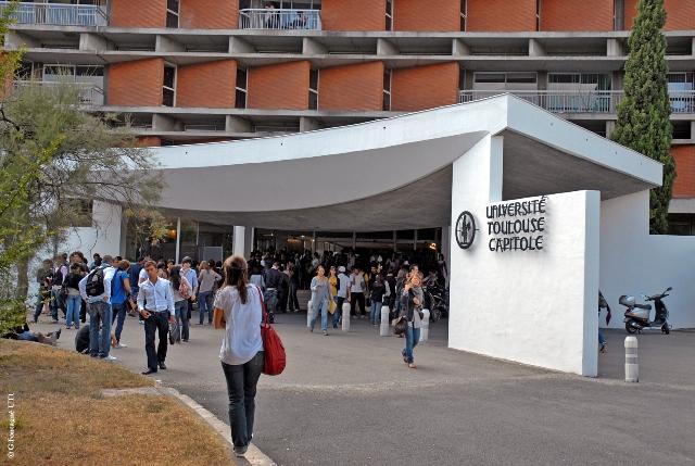 Trung tâm đại học Pháp