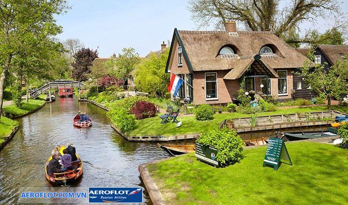 Ghé thăm ngôi làngGiethoorn