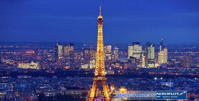 Tháp Eiffel về đêm