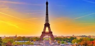 Tháp Eiffel biểu tượng hàng đầu của nước Pháp