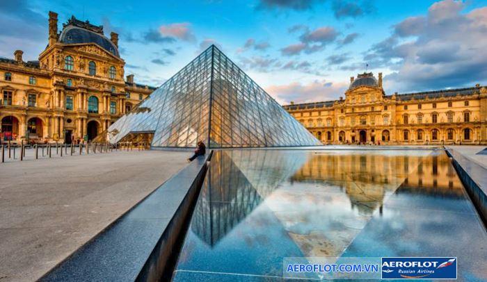 Bảo tàng Louvre vĩ đại, rộng lớn như mê cung