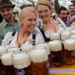 Lễ hội bia Oktoberfest hay Canstatter Volkfest