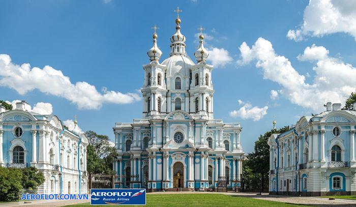 Smolny Convent tu viện nổi tiếng tại Saint Petersburg