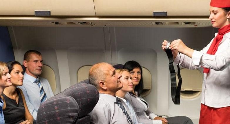 Thắt dây an toàn trên máy bay có tác dụng gì