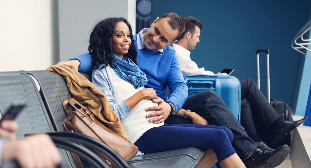 Quy định khi đi máy bay đối với phụ nữ mang thai