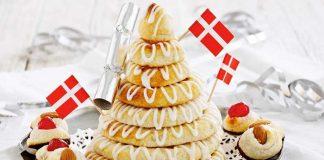 Bánh Kransekage được ăn vào đêm giao thừa tại Đan Mạch va Na Uy