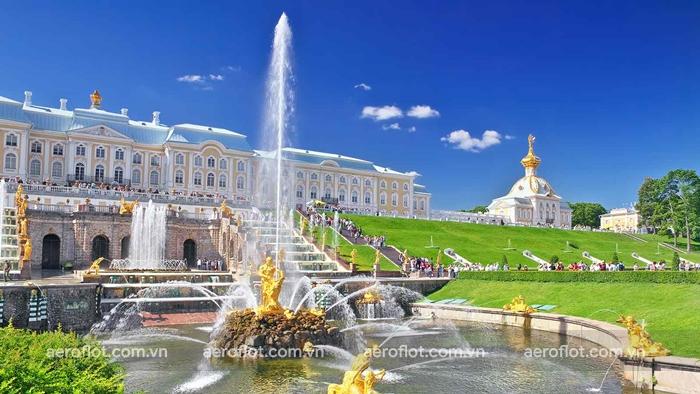 Cung điện mùa hè Peterhof công trình khiến trúc nổi tiếng